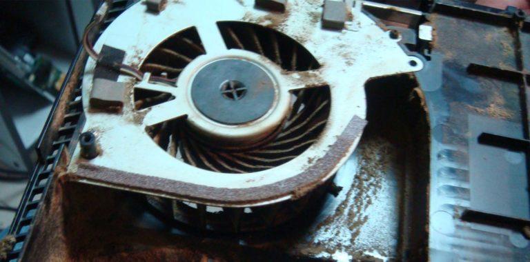 Чистка от пыли и замена термопасты на Sony PlayStation 4