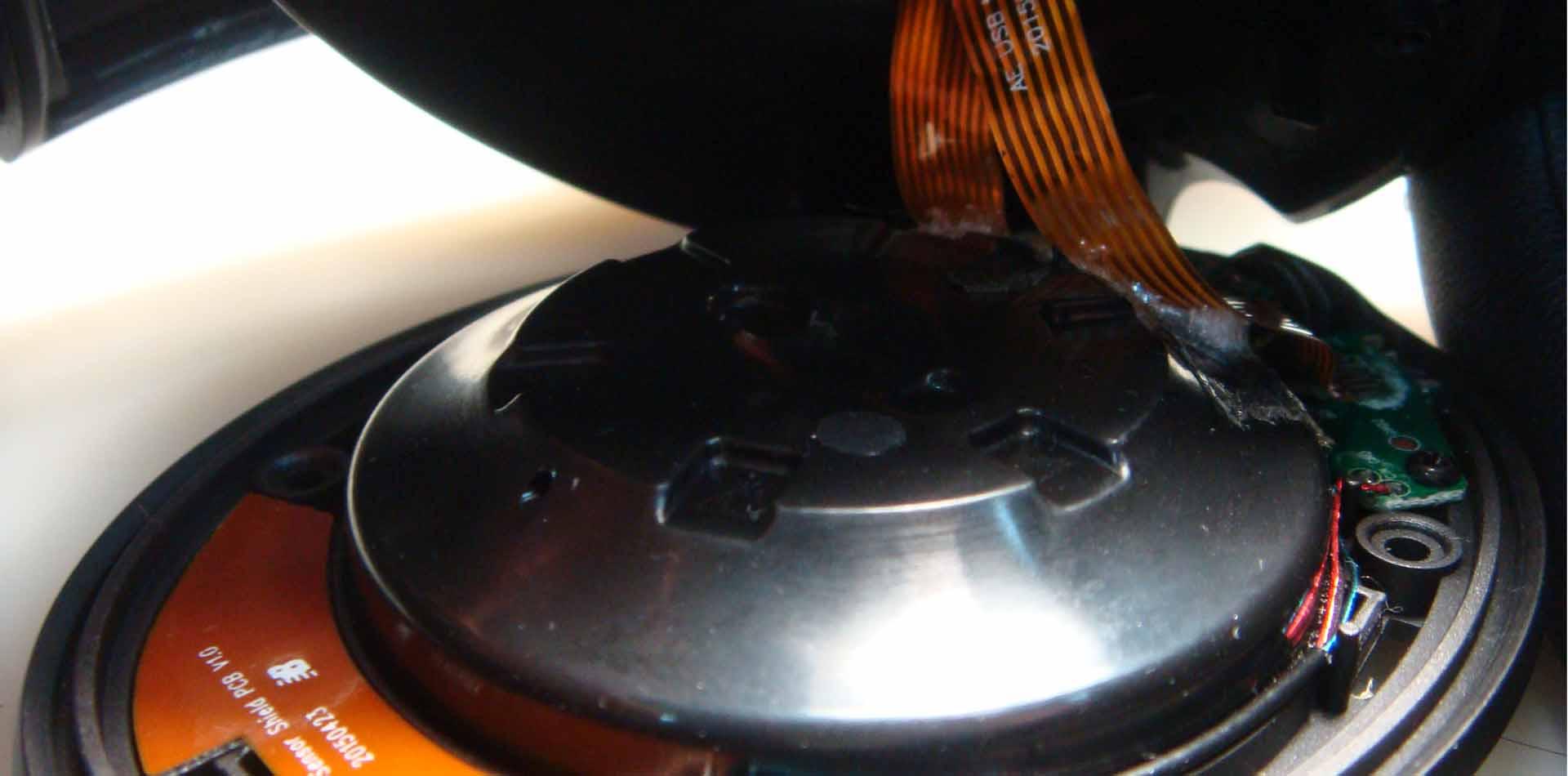 Процесс ремонта наушников JBL