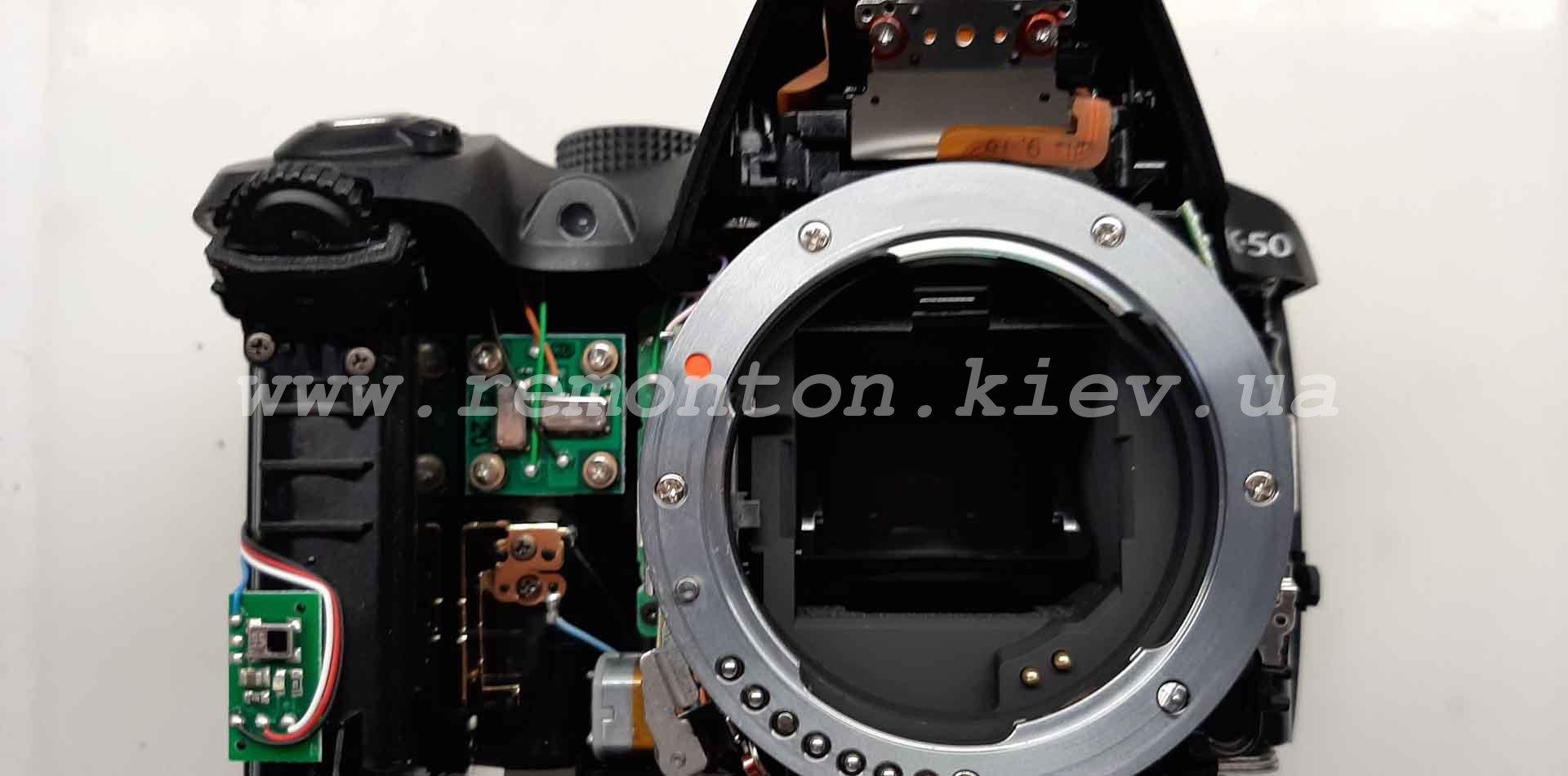 Ремонт Pentax K50 - самопроизвольное срабатывание зеркала