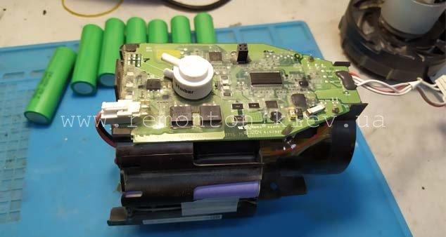 Замена аккумуляторов Bosch BCH6ZOOO