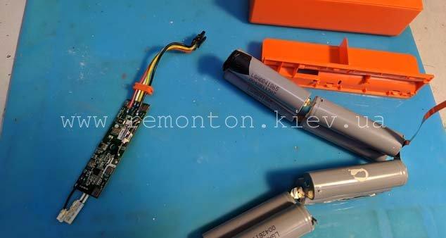 Замена аккумуляторов в пылесосе роботе Xiaomi