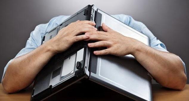 Ноутбук выключается: все о поломке